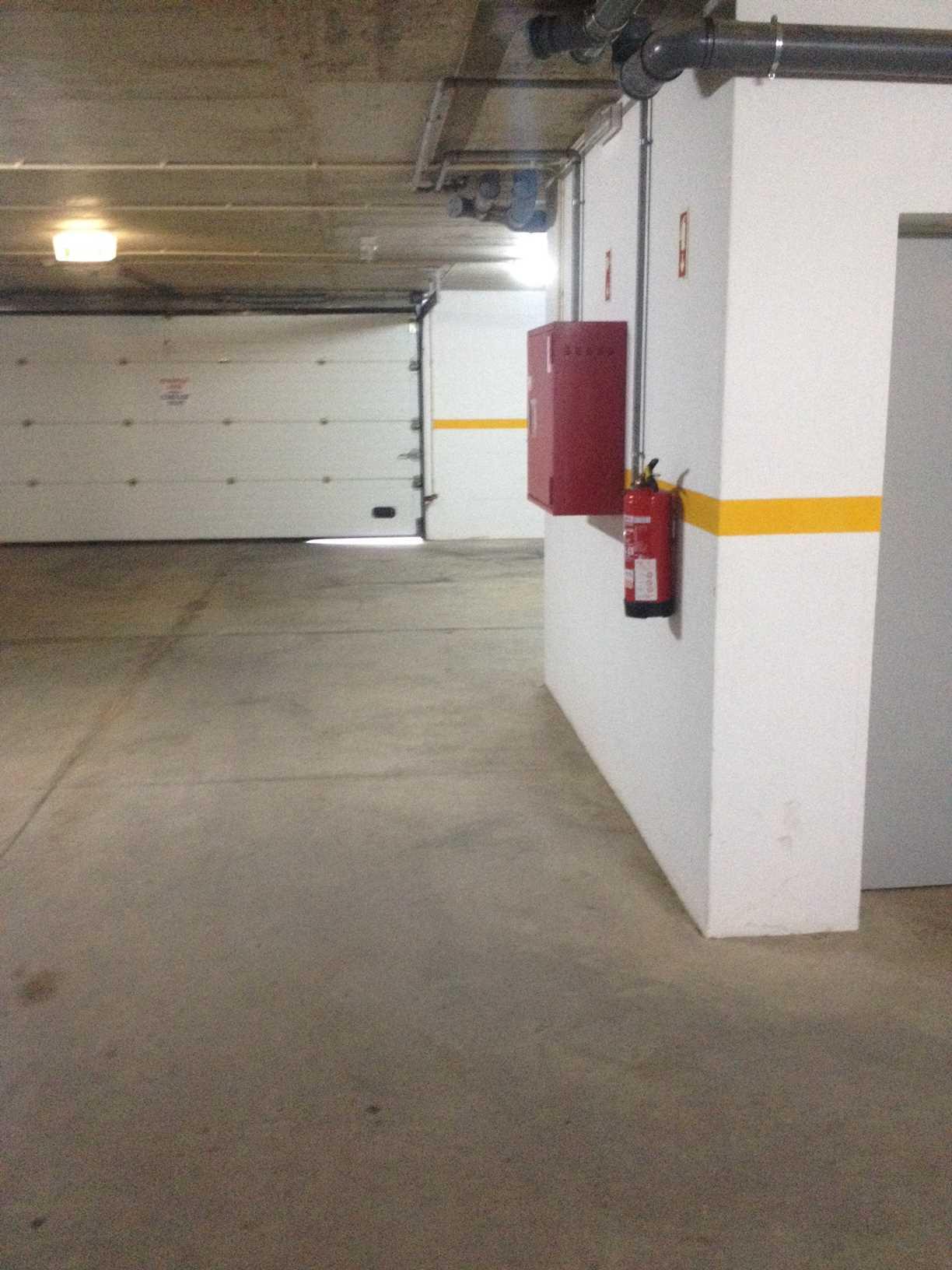 Garagens e Estacionamentos